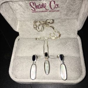 Mother of pearl and onyx matching set